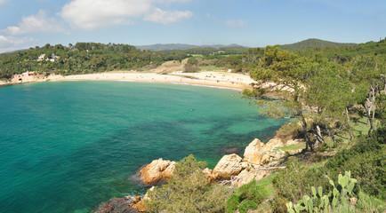 Panorámica playa en la Costa Brava