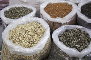 Spices and aromatic leaves