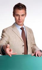 Hombre de negocios dando la mano.Saludando.
