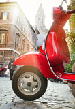 Fototapety Roter Retrolook Motorroller in Rom - Red Scooter in Rome