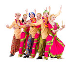 Fototapety dancers dressed in Indian costumes posing