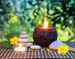 preparazione al massaggio in giardino