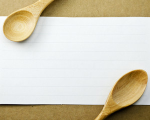 Paper festivities with a wooden spoon