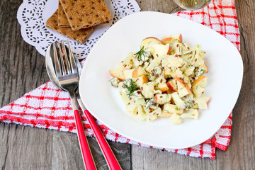 Cauliflower and apple salad