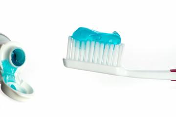 Zahnbürste mit Zahnpaste