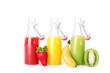 frische Fruchtsäfte in Flaschen