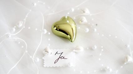 Grünes Herz mit Perlen 3