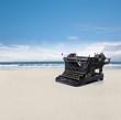 Schreibmaschine am Strand