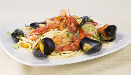 Spaghetti allo Scoglio (frutti di mare)