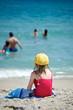 bambina in spiaggia