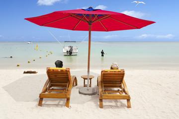 plage paradisiaque des îles du soleil