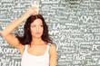 junge Frau mit Glas Milch