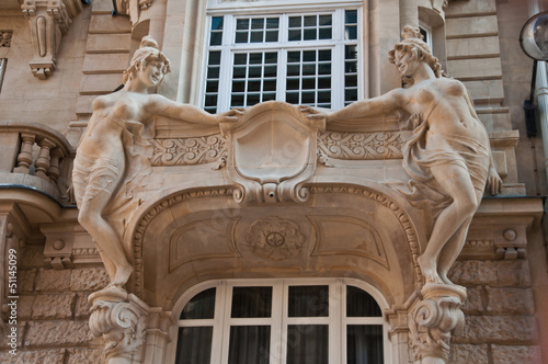 canvas print picture balcon immeuble ancien