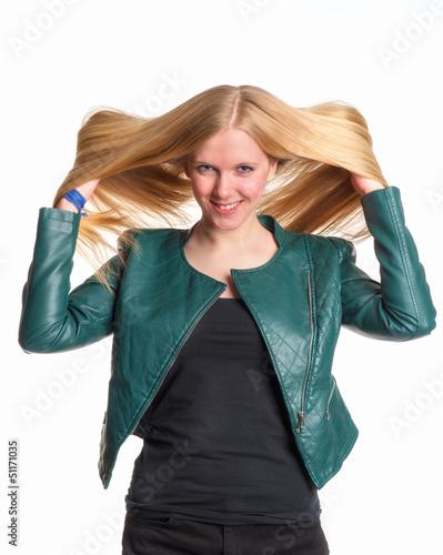 Schöne Blondine in Leder