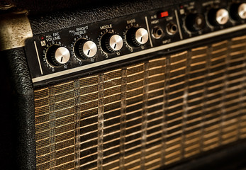 Vintage guitar amplifier