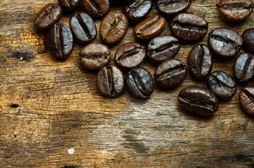 coffee bean ongrunge wooden background
