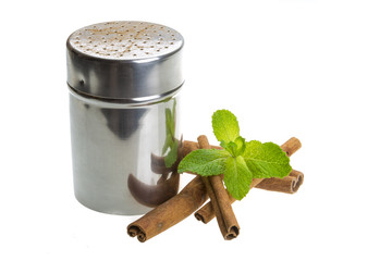 Cinnamon and fresh mint leaves