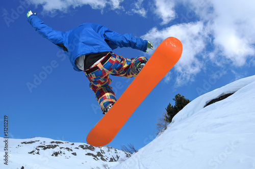 Free Style Snowboarder