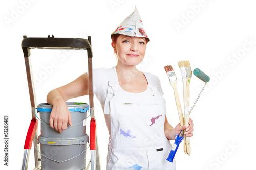 Maler und Lackierer mit Pinsel und Leiter