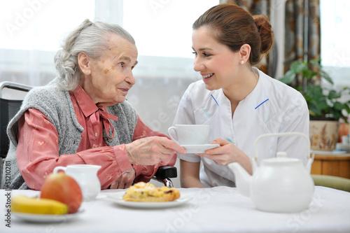 Leinwanddruck Bild Nursing home