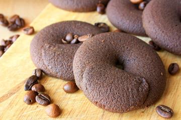 Шоколадное печенье с кофейными зернами
