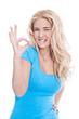 Erfolgreiche glückliche junge Frau