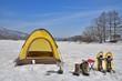 雪原のテントキャンプ A