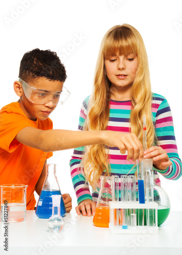 Couple kids in science lab