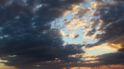 Sunset clouds...(Timelapse)