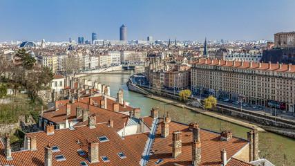 vue panoramique de Lyon et du virage des quais de Saône