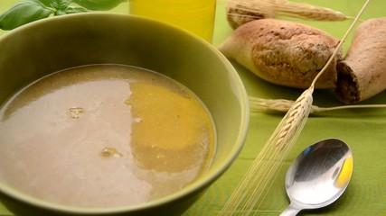 Sopa crema de pollo Cream of chicken soup 치킨 수프의 크림