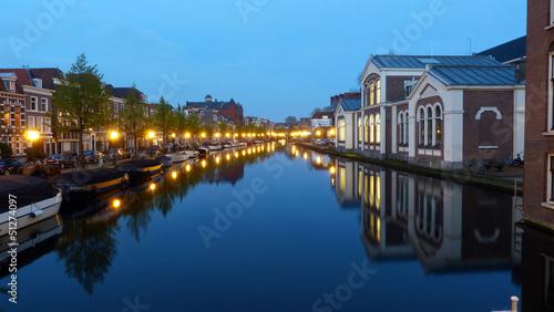 Canal à Leyden