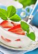 Erdbeeren und Joghurt