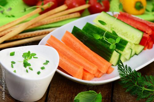 Dip mit Gemüsesticks