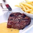 wagyu steak mit pommes frites und sauce bearnaise