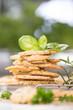 Parmesanplätzchen mit frischen Kräutern