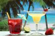 cocktails  in bicchiere sulla spiaggia