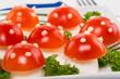 Funghetti di mozzarella e pomodorini, closeup, selective focus