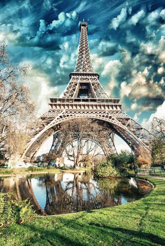 Paris - La Tour Eiffel. Wonderful sunset colors in winter season - 51314273