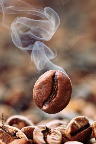 qualmende Kaffeebohne - 51323022
