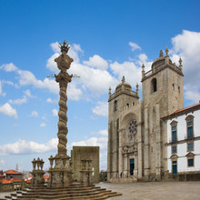 Pillory and  Se Cathedral in Porto