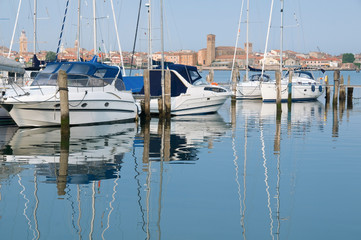 Chioggia, Italy: Moored pleasure crafts