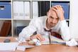 überarbeiteter Mann im Büro
