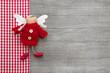 Roter Schutzengel als Weihnachtskarte