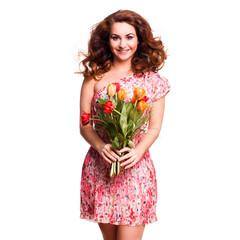 attraktive junge Frau mit Blumenstrauß