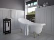 klassisches badezimmer mit dekoration