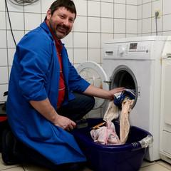 Hausmeister in der Waschkueche