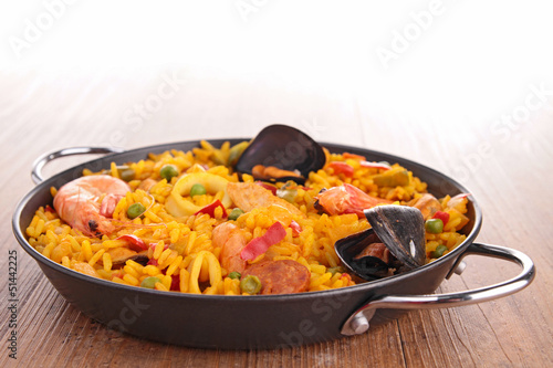 casserole with cooked paella