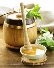 wooden barrel with  organic floral honey