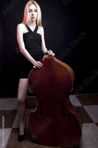 Girl with a broken contrabass